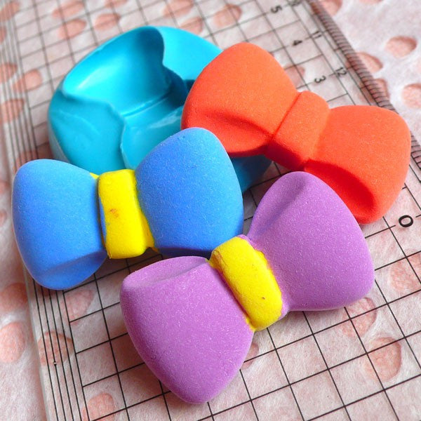 Bow Tie Mold Bowtie 32mm Flexible Silicone Mold Cupcake Topper Gumpaste Fondant Mold Scrapbooking Mold Jewelry Pendant Mold Push Mold MD488