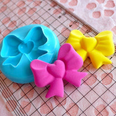 Ribbon / Bow with Heart (25mm) Silicone Flexible Push Mold Jewelry Charms Cupcake (Clay Fimo Casting Resin Epoxy Fondant Gum Paste) MD785
