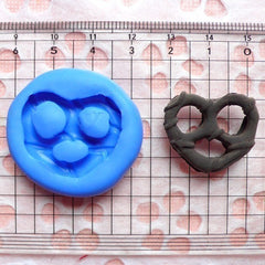 Pretzel (25mm) Flexible Mold Silicone Mold - Miniature Food, Sweets, Jewelry, Charms (Clay Fimo Premo Resin Wax Gum Paste Fondant) MD377
