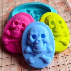Skeleton / Skull with Crossbones Cameo (26mm) Silicone Flexible Push Mold Jewelry Charms Cupcake (Clay, Fimo, Wax, Gum Paste, Fondant) MD778
