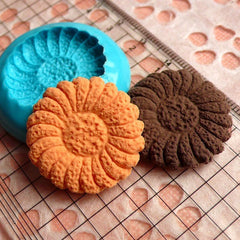 Cookie Mold Biscuit Flower Daisy 26mm Silicone Flexible Mold Decoden Mold Kawaii Miniature Sweets Polymer Clay Jewelry Cabochon Resin MD177