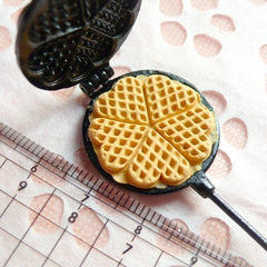 DEFECT Waffle Mold Mould Heart Shaped Waffle Maker Decoden Kawaii Miniature Sweets Food Jewelry Cabochon Charms (Resin Clay, Paper Clay) MI10