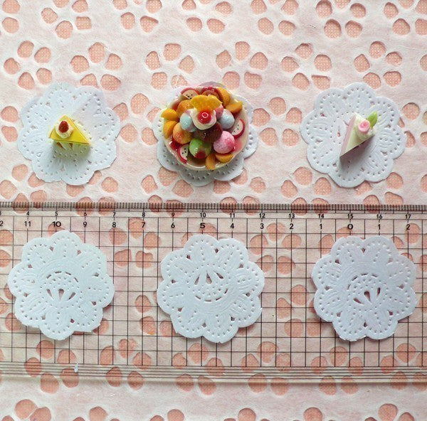 White Cake Lace Doilies in Paper (37mm) (6pcs) - Mini Accessories and Decoration for Miniature Cake / Dessert / Sweets / Food Craft MI04