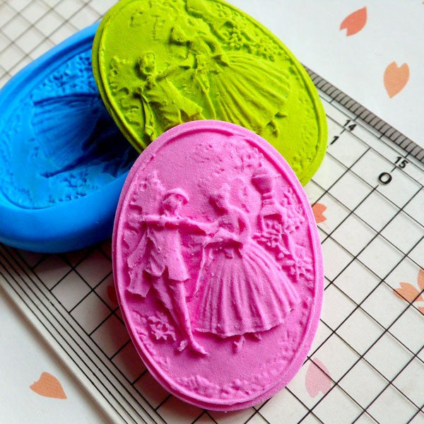 Cameo Mold Victorian Lover Garden 39mm Flexible Silicone Mold DIY Jewelry Pendant Mold Butter Mold Chocolate Scrapbooking Mold Wedding MD642