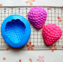Silicone Mold Flexible Mold - Big Half Strawberry (29mm) Miniature Food, Sweets, Jewelry, Charms (Clay Fimo Resin Gum Paste Fondant) MD400