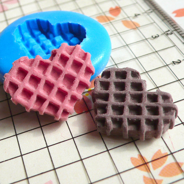 Kawaii Heart Waffle (16mm) Flexible Mold Silicone Mold - Miniature Food Sweets Cupcake Jewelry Charms (Clay Fimo Resin, Wax Fondant) MD299