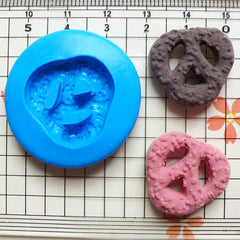 Danish Butter Cookie /Pretzel (22mm) Silicone Flexible Push Mold - Miniature Food, Sweets, Jewelry, Charms (Clay Fimo Resin Fondant) MD376