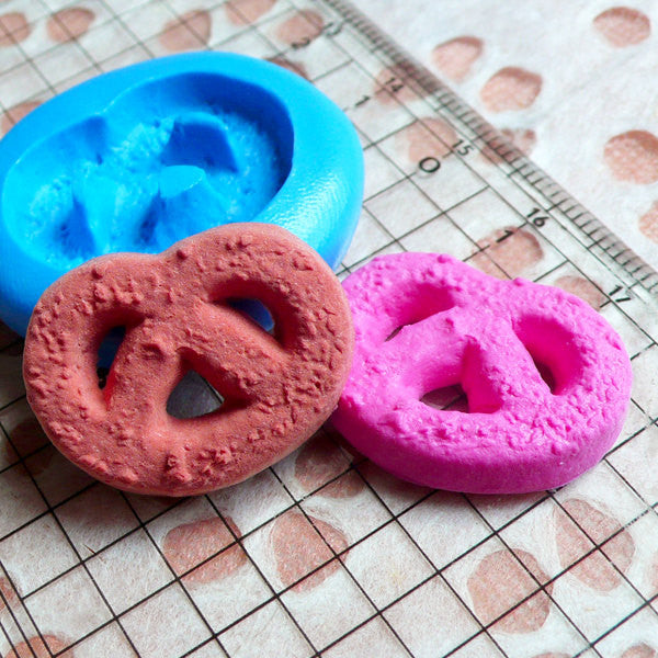Danish Butter Cookie Mold Biscuit Mold 25mm Silicone Flexible Mold Kawaii Miniature Sweets Decoden Polymer Clay Kitsch Jewelry Charms MD189
