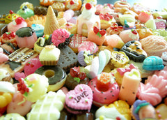 Sweets Deco Kawaii Cabochon Mix Assorted Decoden Miniature Sweets Cabochon Set Polymer Clay Sweets Cellphone Deco (50 pcs BY RANDOM) MX-SW50