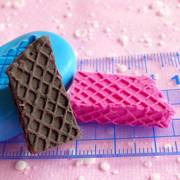 Bitten Wafer Mold Waffer Biscuit Mold 27mm Flexible Silicone Mold Kawaii Miniature Sweets Deco Kitsch Jewelry Cabochon Cellphone Deco MD310