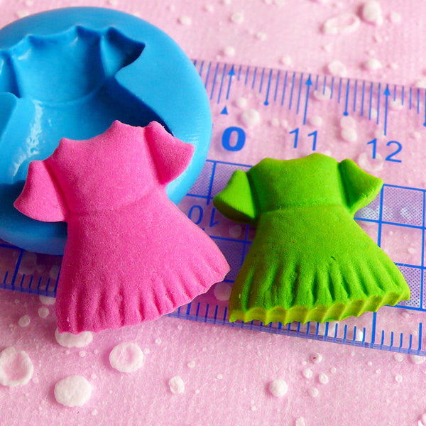 Baby Girl Dress Flexible Silicone Mold 21mm Kawaii Baby Shower Mini Cupcake Topper Mold Fimo Clay Fondant Gumpaste Scrapbooking Mold MD545
