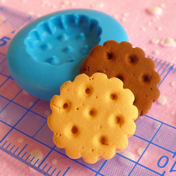 Round Biscuit Mold 16mm Flexible Silicone Mold Dollhouse Miniature Sweets Kawaii Decoden Kitsch Jewelry Charms Polymer Clay Push Mold MD142