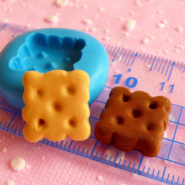 Square Biscuit Mold 14mm Flexible Silicone Mold Dollhouse Miniature Sweets Kawaii Decoden Kitsch Jewelry Polymer Clay Fimo Push Mold MD143