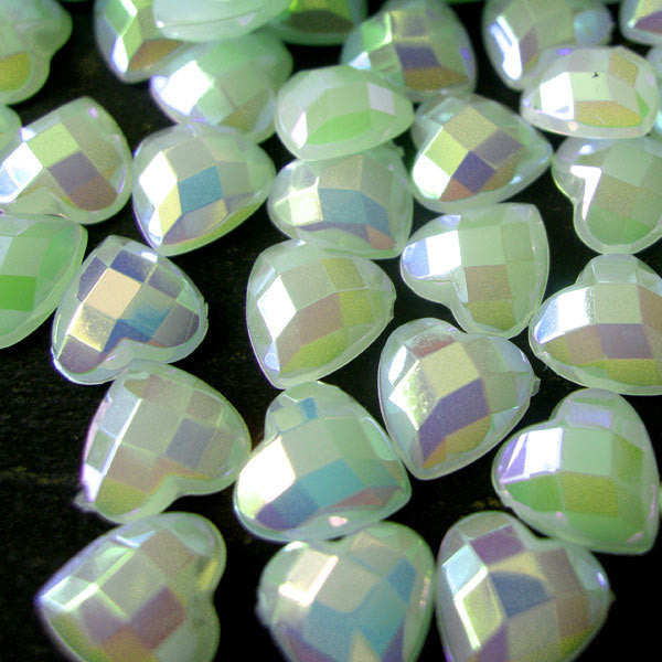AB Bubblegum Pearlized Heart Cabochons / AB Heart Pearl in 8mm (Light Green) (80 pcs) PES12
