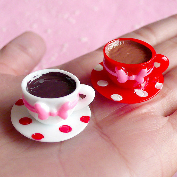 Decoden Cabochon 3D Coffee Cup Cabochons in Polka Dot Pattern (2pcs / 25mm x 16mm) Kawaii Dollhouse Miniature Sweets Cellphone Deco FCAB001