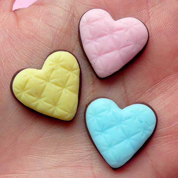 Decoden Cabochon Fimo Heart Chocolate Sugar Cookie Cabochon Kawaii Polymer Clay Sweets Cabochon (3pcs / 20mm x 19mm / Flat Back) FCAB061