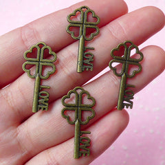 Clover Key w/ Love Charms (4pcs / 13mm x 27mm / Antique Bronze) Pendant Zipper Pulls Bookmark Valentines Day Favor Wedding Decoration CHM001