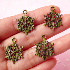 CLEARANCE Snowflakes Charms Antique Bronzed (4pcs) (17mm x 22mm) Metal Finding Pendant Bracelet Earrings Zipper Pulls Bookmarks Key Chains CHM016