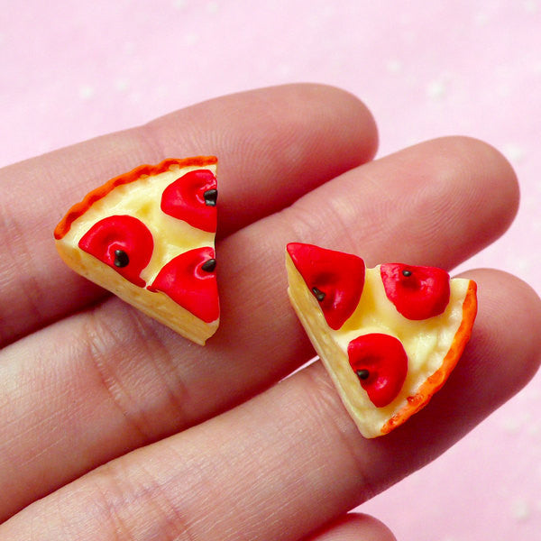 Miniature Apple Pie Cabochons (2pcs / 16mm x 15mm) Dollhouse Food Cabochon Kawaii Decoden Phone Case Fake Sweets Jewellery Making FCAB064