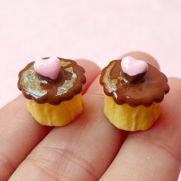 Kawaii Decoden Cabochon / 3D Miniature Sponge Cake Cabochon (2pcs / 14mm x 13mm) Dollhouse Sweets Deco Phone Case Dessert Jewelry FCAB106