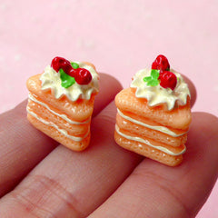 Decoden Cabochon / 3D Strawberry Cake Cabochons (2pcs / 13mm x 15mm) Kawaii Supplies Dollhouse Sweets Deco Miniature Dessert Jewelry FCAB113