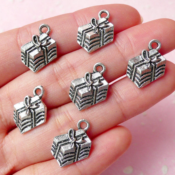 CLEARANCE Gift Box Charms Present Charm (6pcs) (12mm x 16mm / Tibetan Silver) Christmas Charms Pendant Bracelet Earrings Bookmarks Keychain CHM265