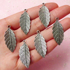 Feather Charms (6pcs) (31mm x 13mm / Tibetan Silver) Metal Findings Pendant Bracelet Earrings Zipper Pulls Keychain CHM279
