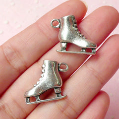3D Skate Charms (2pcs) (22mm x 18mm / Tibetan Silver / 2 Sided) Findings Pendant Bracelet Earrings Zipper Pulls Bookmarks Keychains CHM325