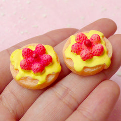 Dollhouse Strawberry Raspberry Pancake Cabochons in 3D (2pcs / 21mm x 23mm) Kawaii Miniature Bakery Doll Food Fridge Magnet Making FCAB132