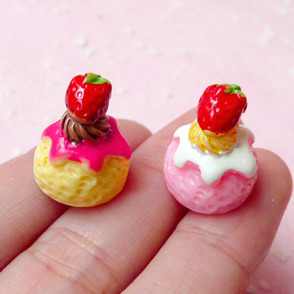 Kawaii Cabochon Strawberry Ice Cream Scoop (2pcs / 14mm x 17mm / 3D) Resin Dollhouse Sweets Cell Phone Deco Cute Decoden Supplies FCAB133