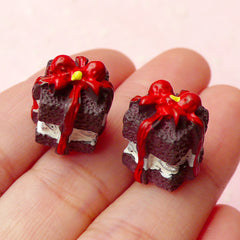Decoden Phone Case Cabochon / 3D Gift Box Chocolate Cake Cabochons (2pcs / 13mm x 14mm) Kawaii Deco Dollhouse Food Miniature Sweets FCAB136