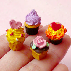 Cupcake Cabochon / Dollhouse Miniature Cupcake (4pcs / Assorted Mix / 12mm / 3D) Kawaii Decoden Miniature Food Jewellery Sweets Deco FCAB142