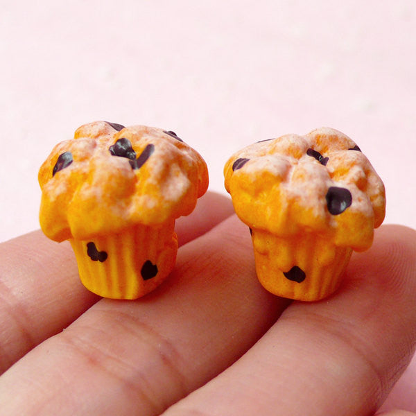 Miniature Dollhouse Food Cabochon / 3D Muffin Cabochon with Chocolate Chips (2pcs / 16mm x 14mm) Kawaii Sweets Jewelry Decoden Craft FCAB152