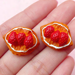 Doll Food Bakery Cabochon / Miniature Strawberry Puff Pastry Cabochon (2pcs / 22mm x 17mm / Flatback) Kawaii Sweets Dollhouse Bread FCAB164
