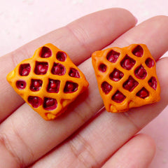 Mini Food Cabochon / Berry Pie Cabochons (2pcs / 18mm x 19mm) Miniature Fruit Pie Dollhouse Dessert Kawaii Phone Case Sweets Deco FCAB175