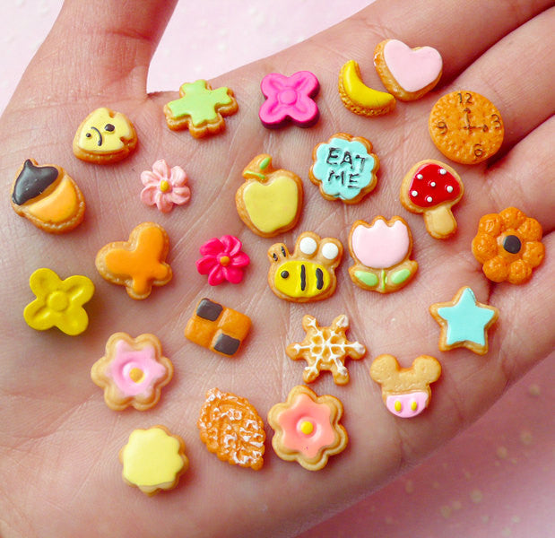 Super Kawaii Cabochon Miniature Sugar Cookie Mix (25pcs) Dollhouse Sweets Cabochon Tiny Mini Biscuit Decoden Whimsical Earrings DIY FCAB198