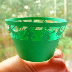 Laser Cut Green Cupcake Wrappers - Green Christmas Reindeer and Snowman - Cake Deco / Cupcake Decoration / Packaging (6pcs) CUP17