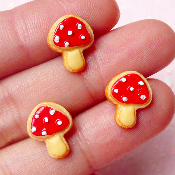 Miniature Sugar Cookie Cabochon / Mushroom Cookie / Kawaii Sweets Cabochon (3pcs / 10mm x 12mm) Tiny Mini Biscuit Stud Earrings DIY FCAB203