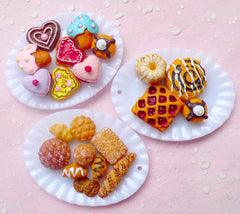 Dollhouse Plate Charms in Oval Shape (60mm x 45mm / 4 pcs / White) DIY Kawaii Miniature Food Cute Whimsical Jewellery Charms Making MC30