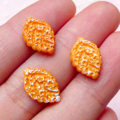 Doll Food Cabochon / Dollhouse Sugar Cookie Cabochon in Leaf Shape (3pcs / 9mm x 14mm) Kawaii Miniature Sweets Teeny Mini Biscuit FCAB213
