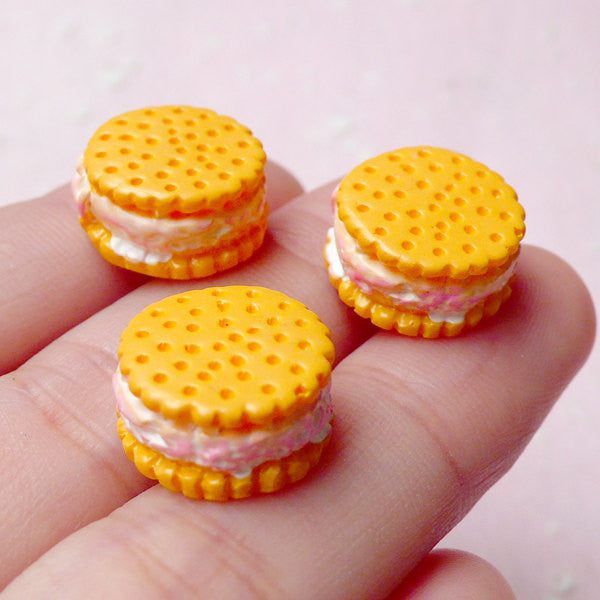 Kawaii Phone Case / Cream Filled Biscuit Cabochons (3pcs / 14mm x 7mm / 3D) Dollhouse Food Miniature Sweets Deco Whimsical Decoden FCAB230