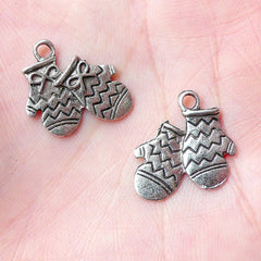 Gloves Charms (10pcs) (16mm x 17mm / Tibetan Silver / 2 Sided) Metal Findings DIY Pendant Bracelet Earrings Zipper Pulls Keychains CHM671