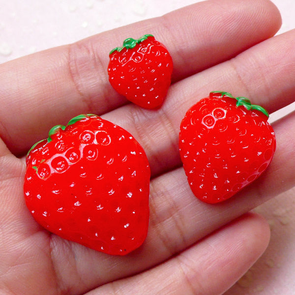 Kawaii Strawberry Cabochon (3pcs / 14mm, 21mm & 28mm / Flat Back) Decoden Cellphone Deco Scrapbooking Fruit Cabochons Faux Food FCAB266