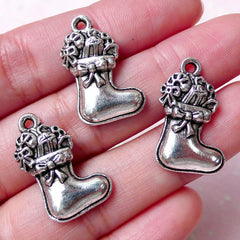 CLEARANCE Christmas Stocking Charm / Sock Charms (3pcs / 15mm x 23mm / Tibetan Silver) Christmas Jewelry Gift Decor Mini Ornament Wine Charm CHM828