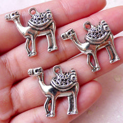Camel Charms (3pcs / 23mm x 23mm / Tibetan Silver) Exotic Animal Charm Pendant Necklace Bookmark Zipper Pull Charm Keychain Charm CHM1182