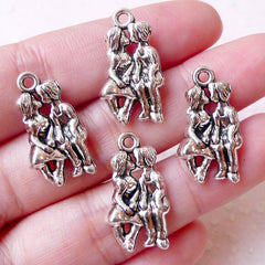 Kissing Charms Boyfriend Girlfriend Lover Charm (4pcs / 13mm x 23mm / Tibetan Silver / 2 Sided) Valentines Day Wedding Favor Charm CHM1247