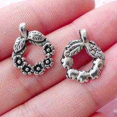 Wreath Charms (10pcs / 14mm x 17mm / Tibetan Silver) Christmas Charm Party Decoration Wine Glass Charm Mini Ornament Favor Charm CHM1794