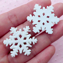 Snow Flake Cabochons Snowflake Cabochon w/ Glitter Powder (2pcs / 26mm x 30mm / White / Flat Back) Christmas Deco Winter Jewellery CAB427