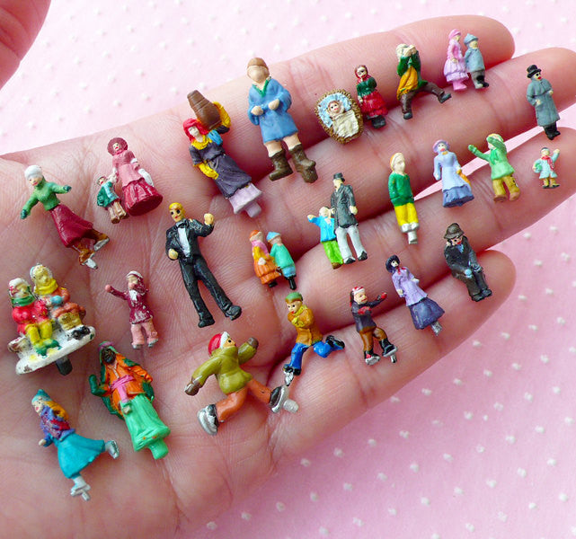 Miniature Figures / Diorama Little People (10pcs by RANDOM / Painted) Terrarium Accessories Bonsai Decoration Fairy Garden Dollhouse MX-FIG
