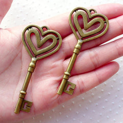 Big Heart Key Charm / Large Skeleton Key Pendant (2pcs / 31mm x 69mm / Antique Bronze) Necklace Purse Charm Steampunk Jewellery CHM2139